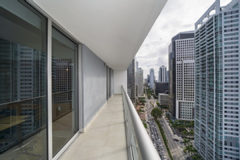 Sky City Apartments At Brickell Bay