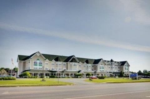 Lakeview Loyalist Resort Summer