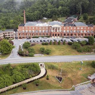 The Natural Bridge Historic Hotel